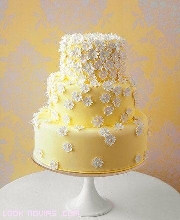 Tartas de boda fondant con margaritas.