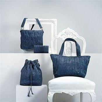 English: Handbags, unidentified material, FW20...