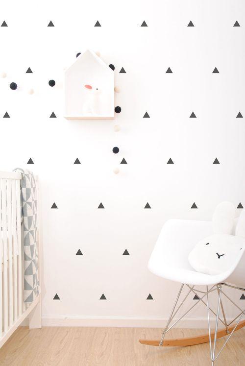 SC46_Black-Triangles