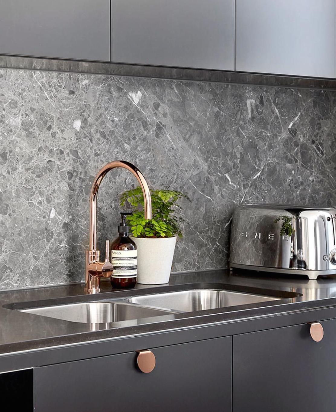 Grey And Rose Gold Kitchen Kitchen Marble Kitchen Design Luxury Kitchen Design