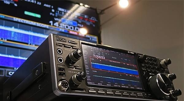 IC-7610 HF/50 MHz SDR Transceiver Previewed at Icom Radio