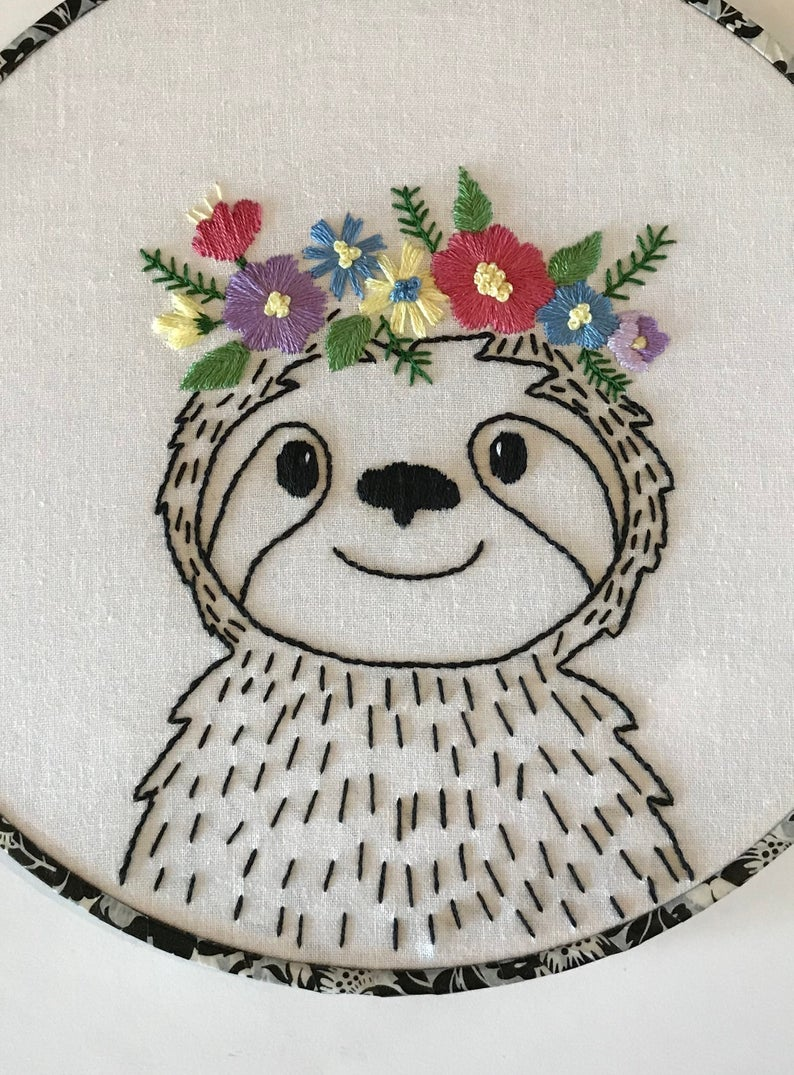 Hand Embroidery PDF Pattern. Floral Crown Sloth Design Digital Download. Simple and Easy Whimsical Animal Embroidery for Nursery Home Decor