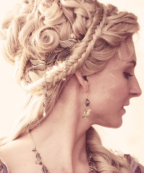 Dragon Age And Dogs Greek Hair Historical Hairstyles Roman Hairstyles
