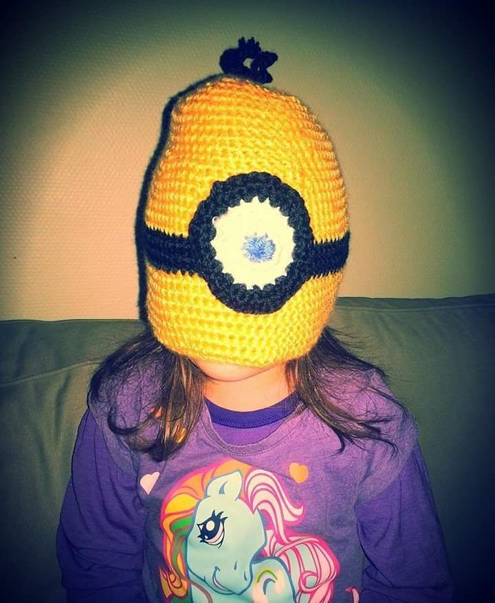 BaNaNa! #crochet #crochê #handmade #handwork #hjemmelaget #håndarbeid #håndlaget #hekleguri #hekle #vaskekost #minions #love #daughter #lue #lagpålag #prosjekt #despicableme #kids #insta #inspiration #inspirasjon #maske #staver #colours #instaknitting #instacrochet by vaskekost