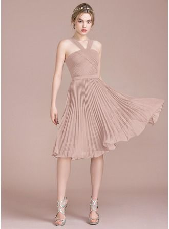 9643ea4a256b A-Line/Princess V-neck Knee-Length Chiffon Bridesmaid Dress With Pleated