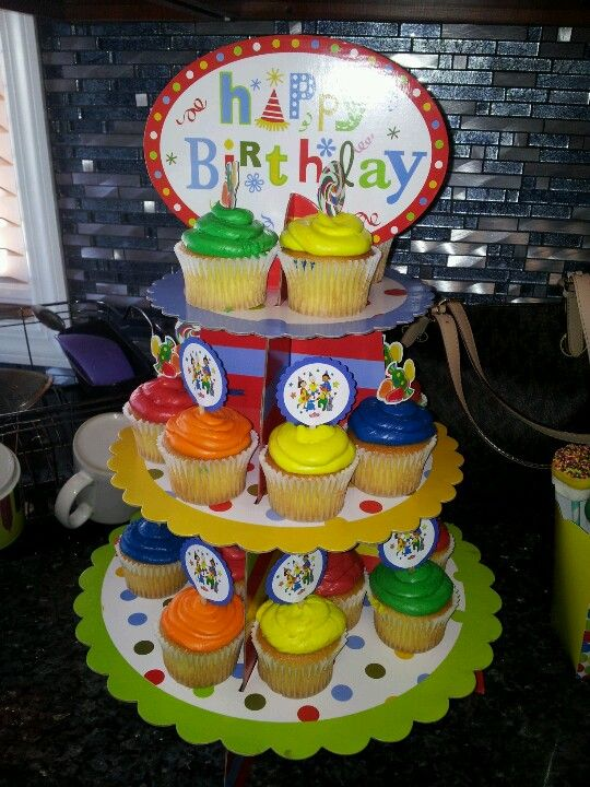 caillou birthday cupcakes CAILLOU BIRTHDAY PARTY Pinterest