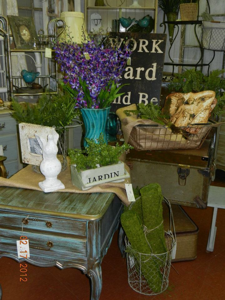 Bon White Barn Booth At The Feathered Nest In OKC ;) Painted Furniture, Vintage  Shopping | Displays ~ Market Show Inspirations!