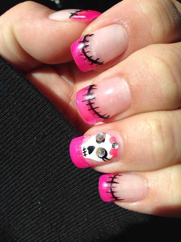 Halloween skull nails | Skull nails, Halloween nail ...
