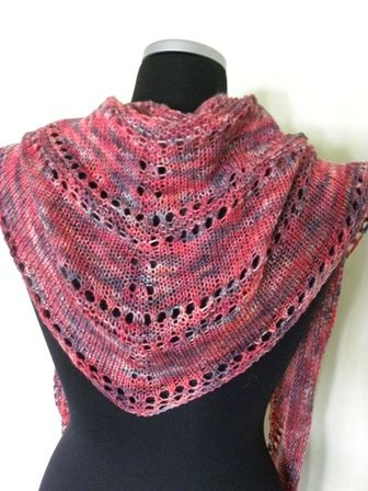 7bf24bc2f Ravelry - Azzus-Shawl - I like this. This is lovely in several ways ...