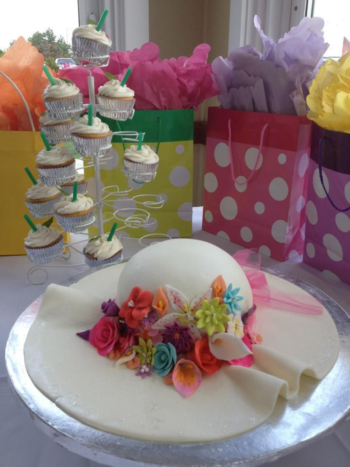 got to help make a lovely Derby Hat Cake for a Kentucky ...
