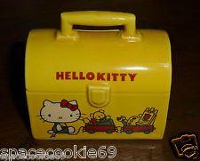 VINTAGE 1976 SANRIO HELLO KITTY CERAMIC MINI BANK SMALL LUNCHBOX YELLOW