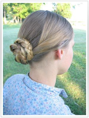 A Quick And Simple 1860s Hairstyle Victorian Hairstyles Vintage Hairstyles Tutorial Historical Hairstyles