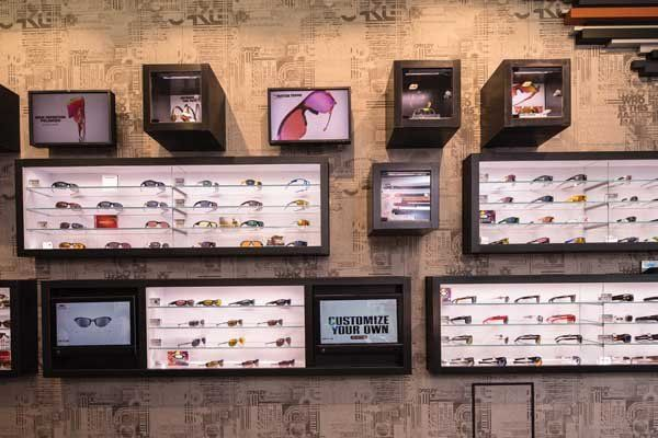 oakley display possible to show product in light boxes