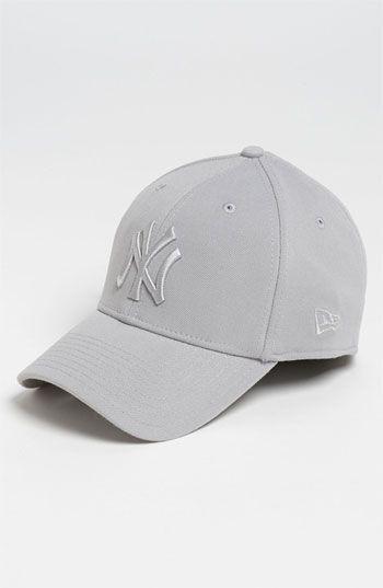cca0c7e6c9dae9 New Era Cap 'New York Yankees - Tonal Classic' Fitted Baseball Cap ...