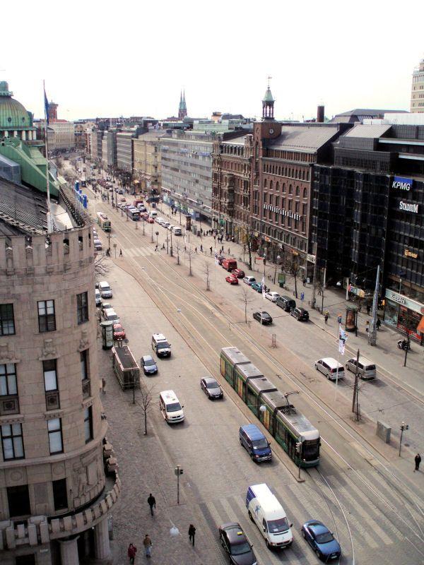 Helsinki, Mannerheimintie erottajalle päin.