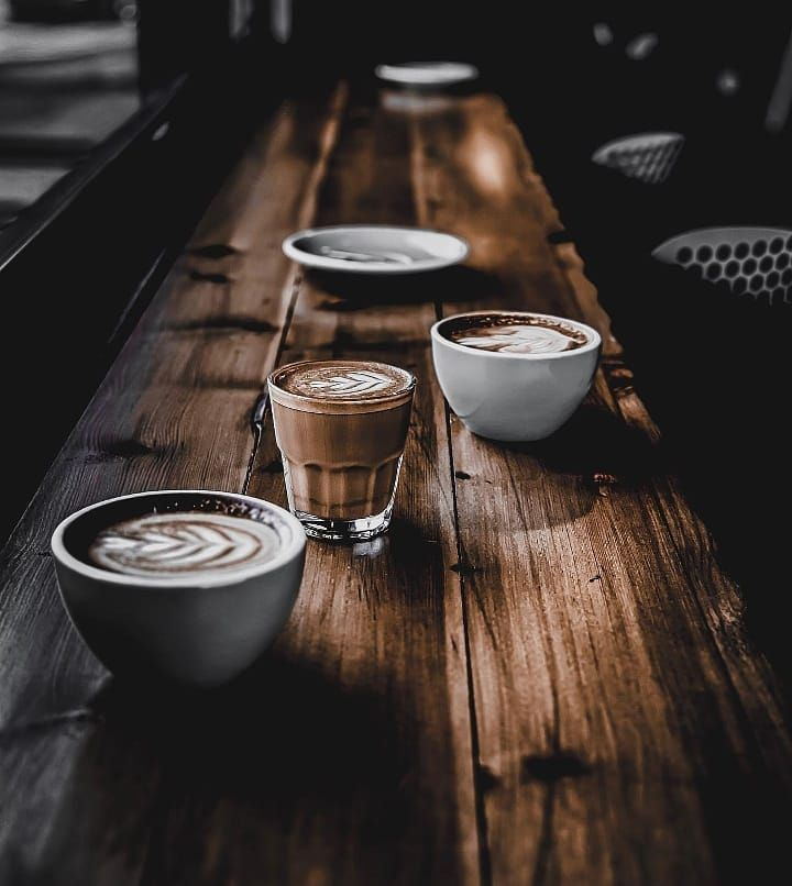 Coffee and conversation is never complete without company. beanbrewmagic for more daily coffee!________________________________________: c0fy.g________________________________________#beanbrewmagic
