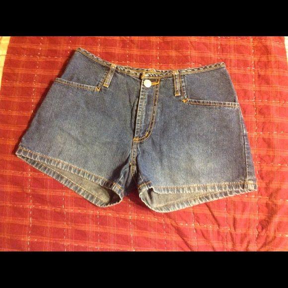 """""""Paris Blues"""" denim shorts 2 1/2 inch long denim shorts by """"Paris Blues Originals"""" size 1 junior Paris Blues Jeans"""
