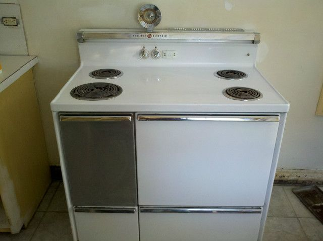 Pictures Of G Ee   E Electric Stoves Made  Ee  In  Free Antique Appraisals Late S G E Electric Stove