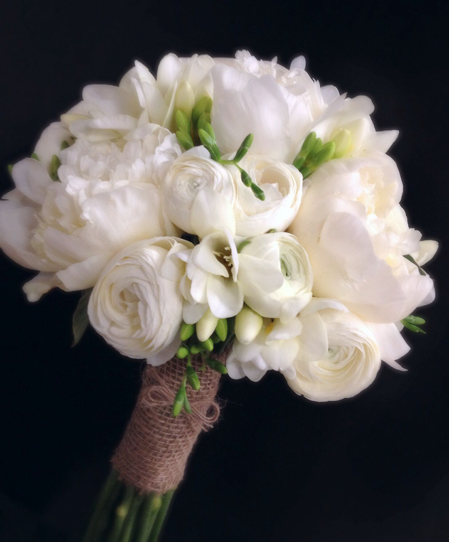 all a white peony ranucula and freesia bridal bouquet wrapped in burlap bouquets pinterest. Black Bedroom Furniture Sets. Home Design Ideas