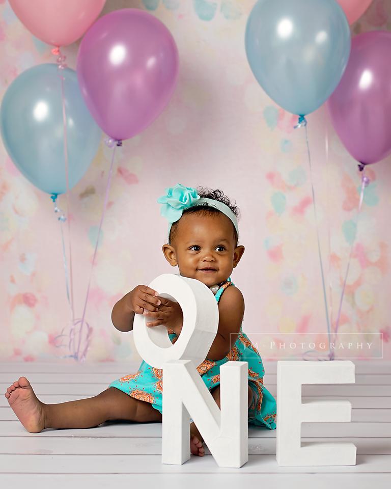 Birthday Photography Tips And Tricks: Birthday Cake Smash Baby Studio Portrait Photo Session By