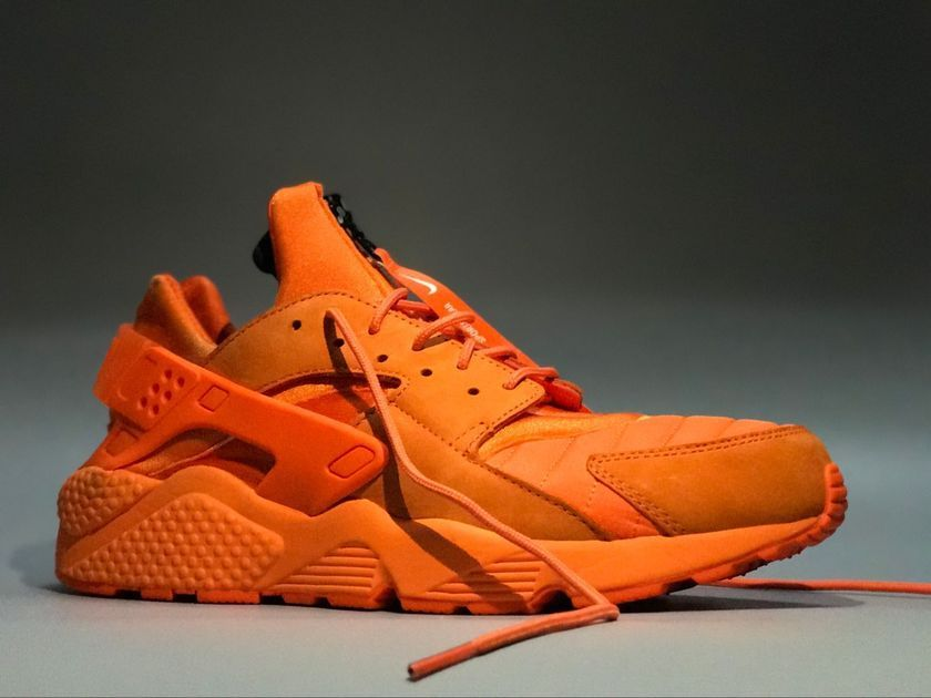 be3aa2e39 NIKE AIR HUARACHE RUN QS CHICAGO ORANGE BLAZE AJ5578 800