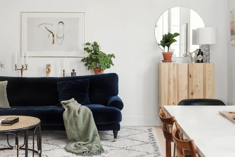 my scandinavian home: A Swedish pad with blue and gold accents