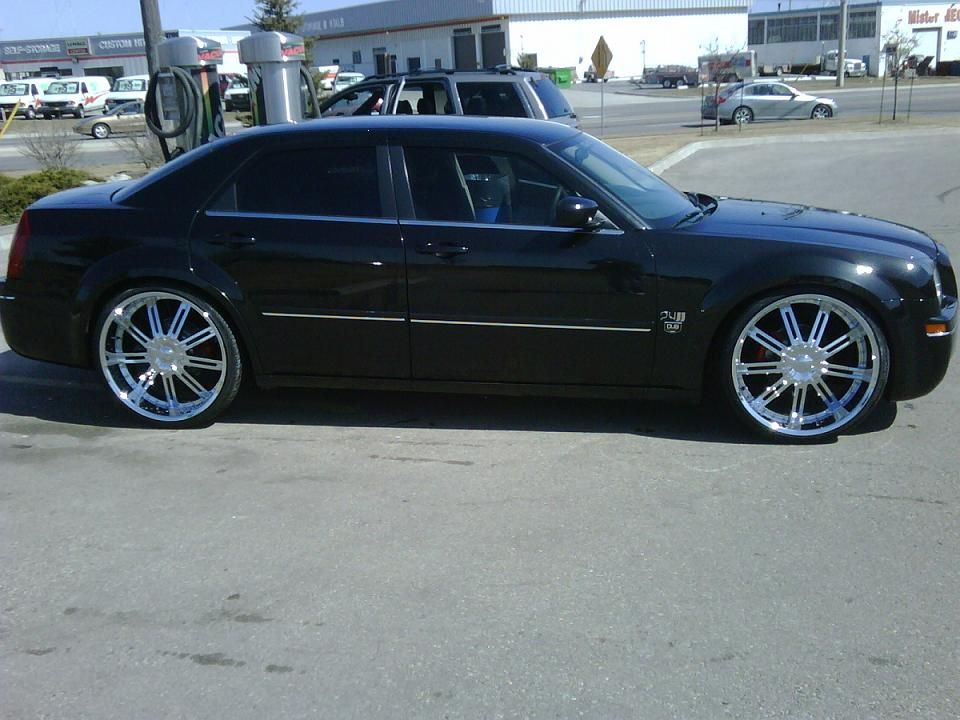 Chrysler 300 On 24 Inch Rims Find The Classic Rims Of Your Dreams