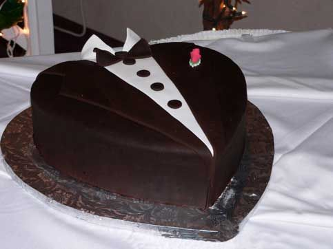 Grooms Cake 20 Cool Groom S Ideas Tuxedo Bridepop