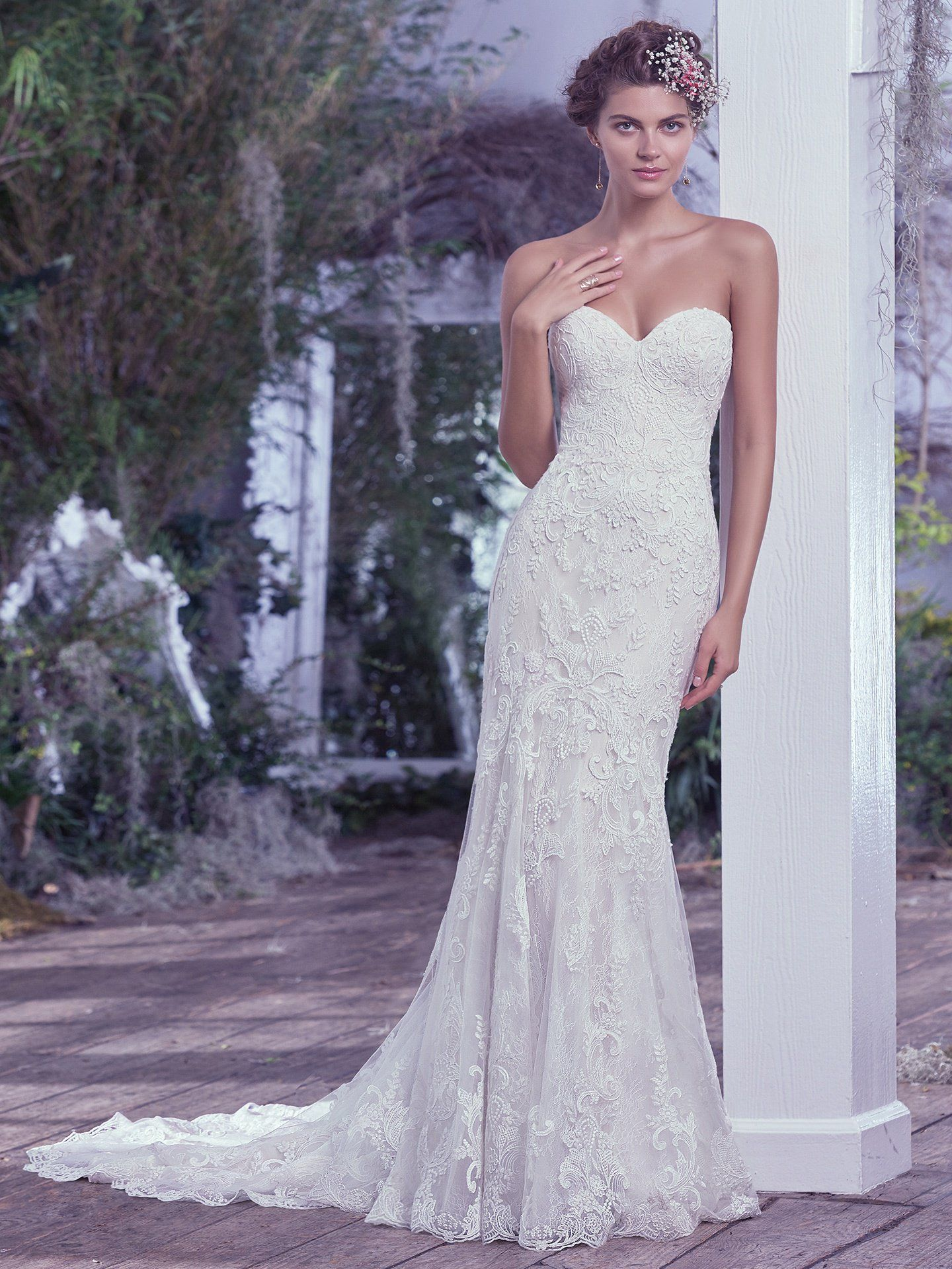 Form Fitting Strapless Wedding Dresses
