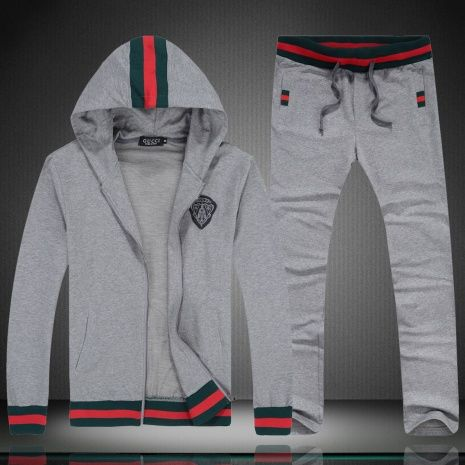 822bb696a699 Gucci Tracksuits for MEN  199329 express shipping to Argentina   fly ...