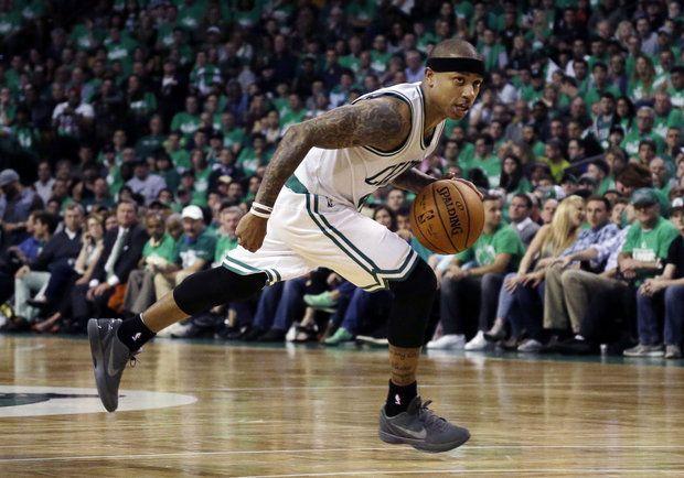 Thomas enciende el ataque de Celtics que toma ventaja en la serie