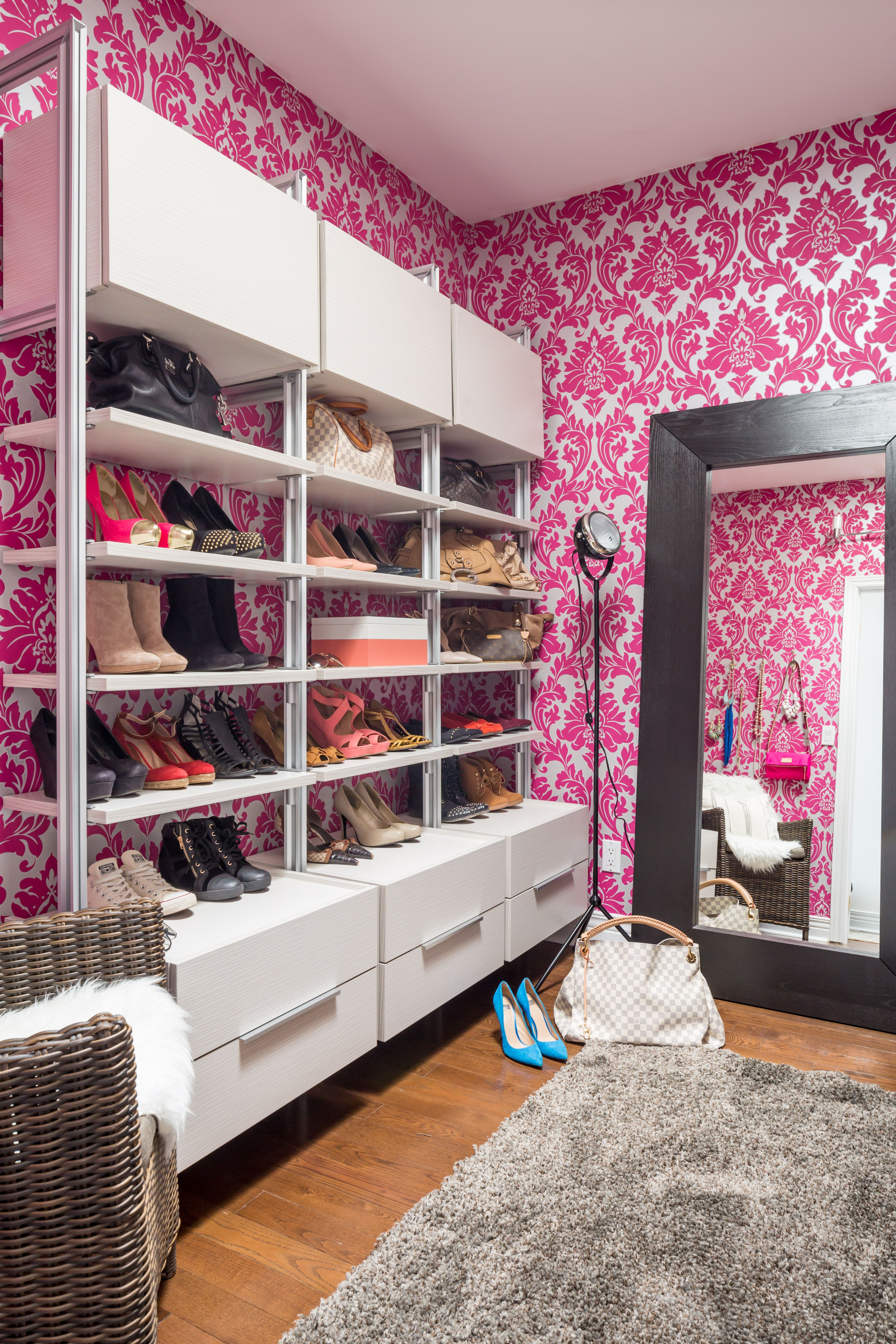 Pink & White walk in Dream Closet Damask wallpaper