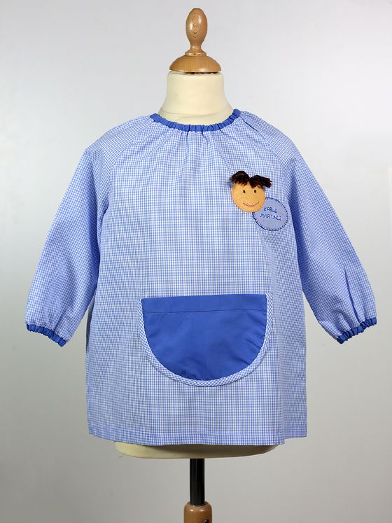 #babero #azul con #bolsillo y #muñeco