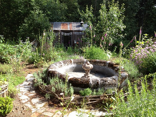 Sweet Paul's friend Ingvild has a beautiful garden outside of Oslo... eerie, rustic and charming!