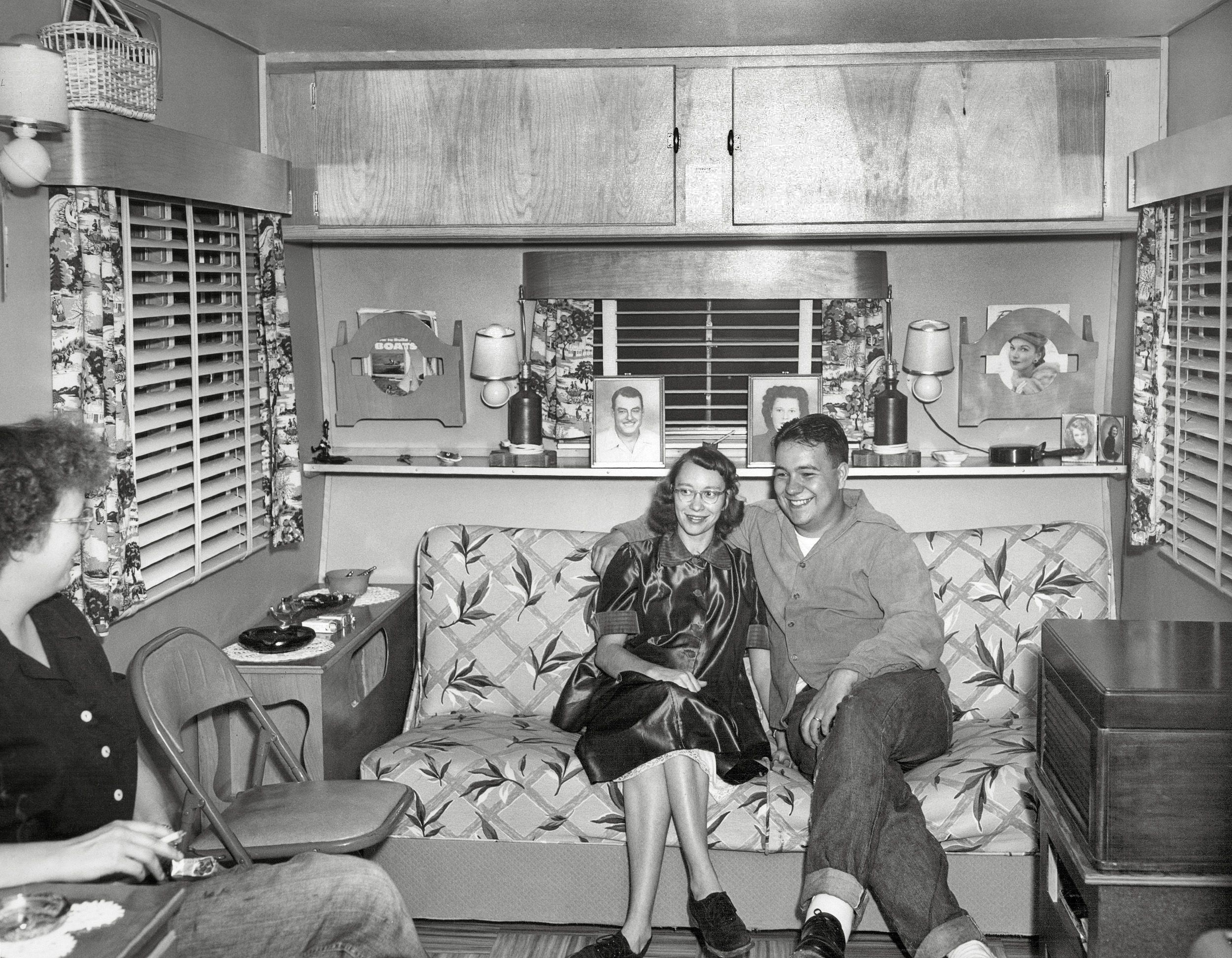 Shorpy Historic Picture Archive :: Trailer Life: 1950s