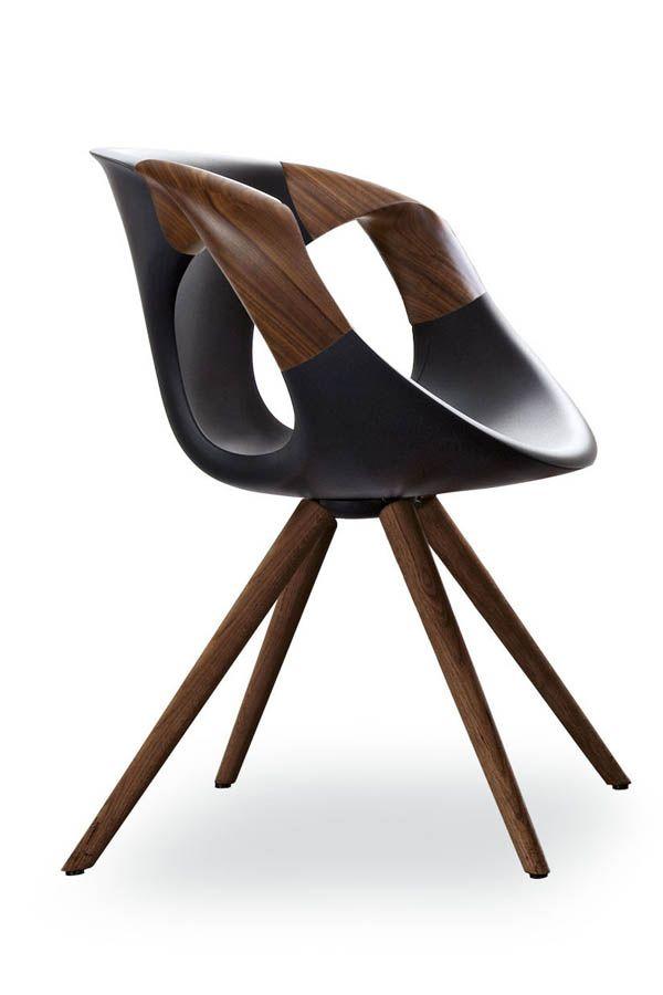 Tonon STEP   Ein Eleganter Lounge Stuhl Mit Hochwertigen Holzapplikationen  In Nussbaum. Die Vier Nussbaum Füße Des Designer Stuhl STEP Laufen Zu Eiu2026