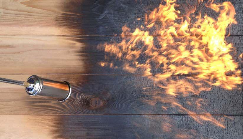 Brûler l\u0027extérieur de sa maison pour la protéger, une technique