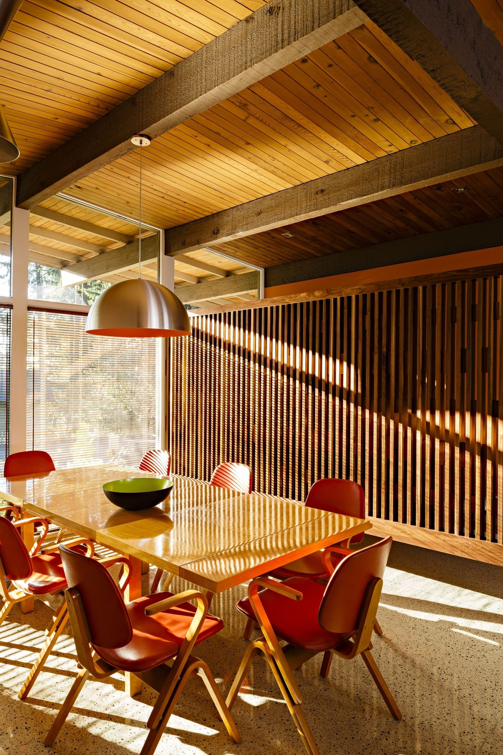 Reinvigorating a classic midcentury home in portland midcentury