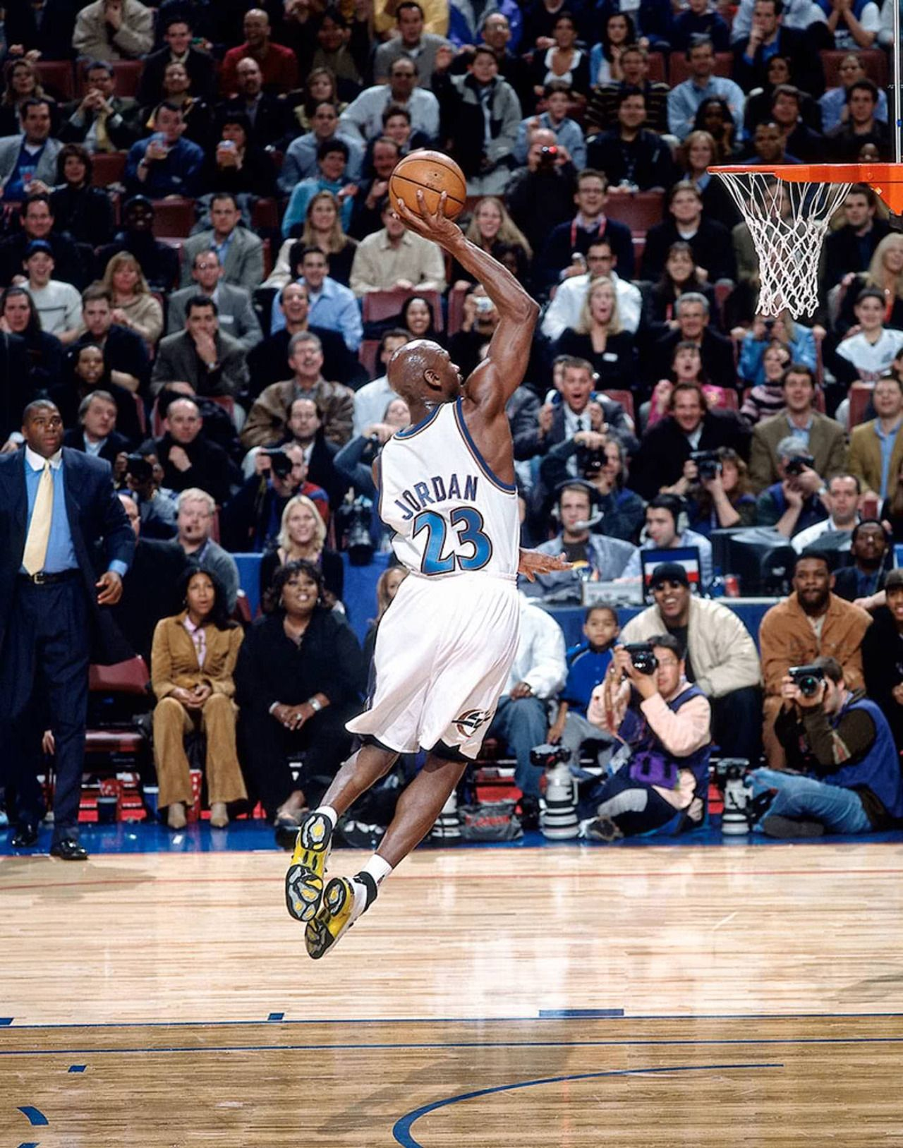 Jordan With The Slam Michael Jordan Jordans Michael Jordan