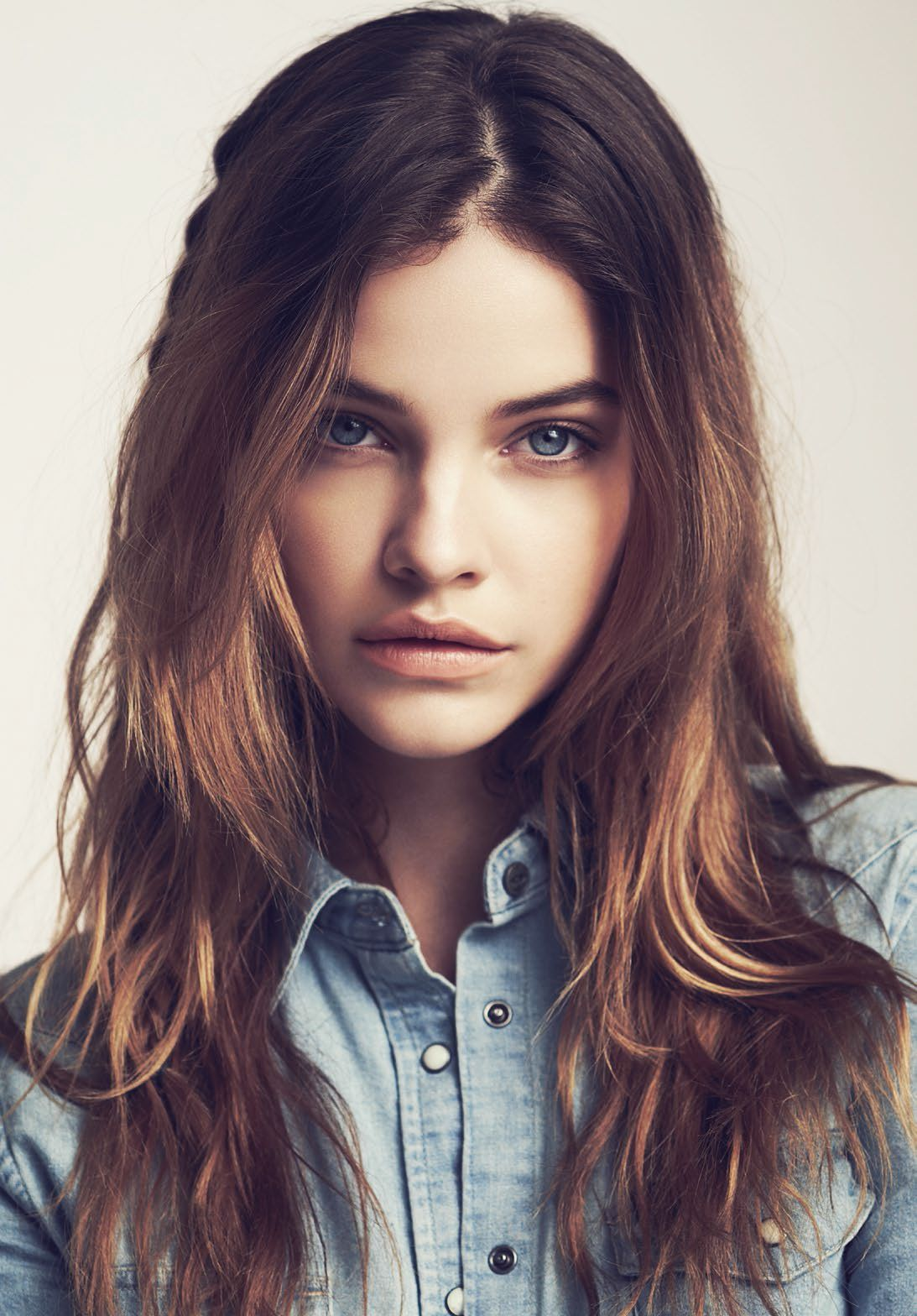 Barbara Palvin earned a  million dollar salary, leaving the net worth at 1.2 million in 2017