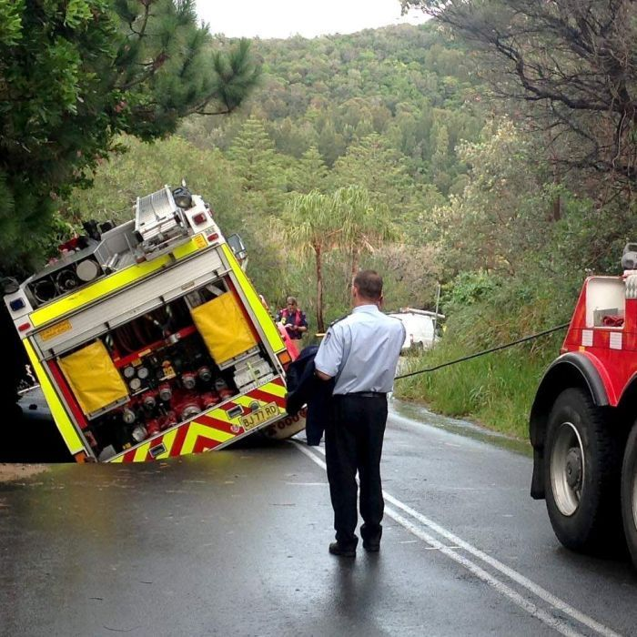 Fire Truck Freed From Sink Hole After 10 Hour Drama Fire Trucks Truck Pulls Extreme Weather