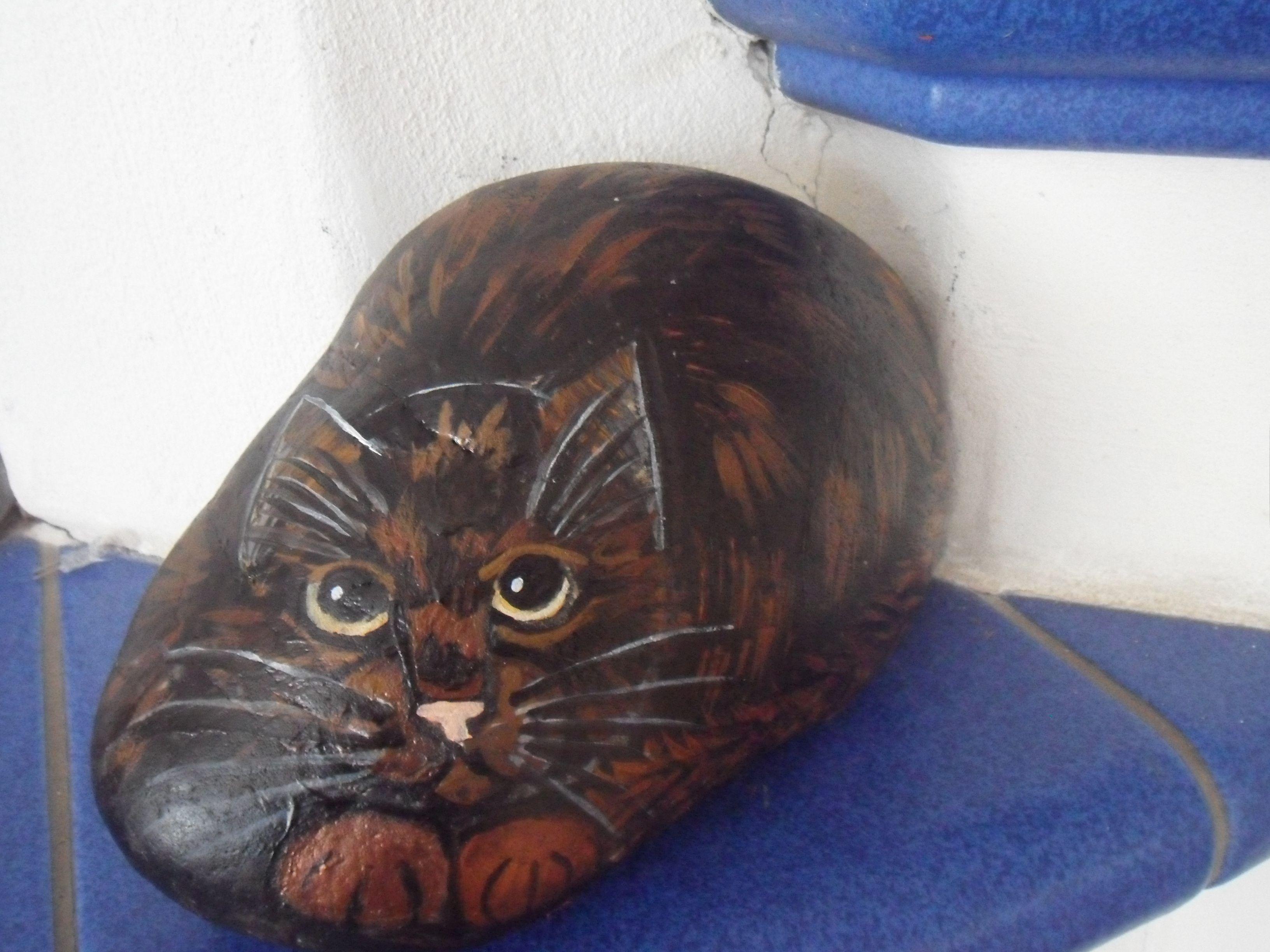 bemalter stein katze schildpatt bei ebay bemalter stein bemalte steine katzen tiere auf. Black Bedroom Furniture Sets. Home Design Ideas