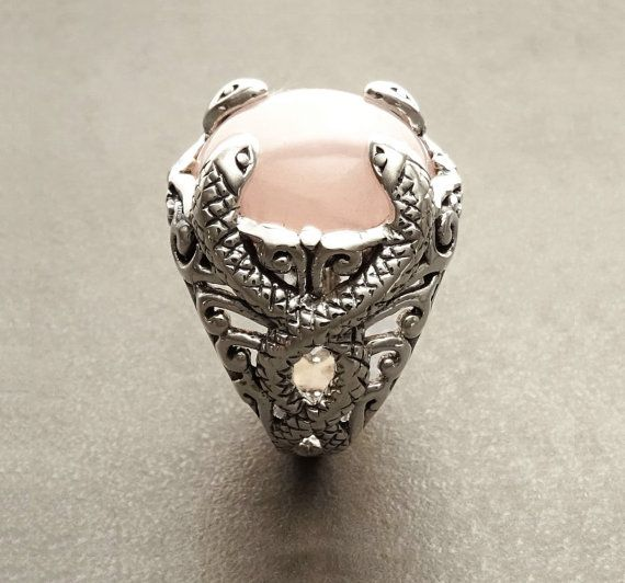 Rose Quartz Snakes Ring with an intricate pattern of by KRAMIKE