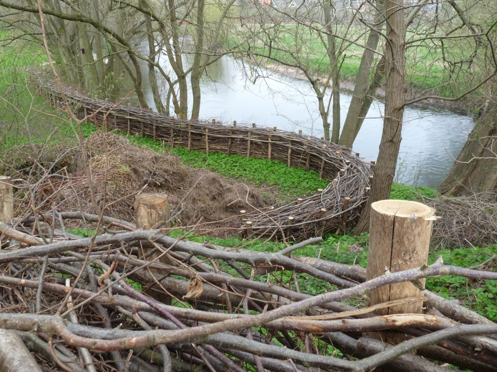 how to build a stick fence