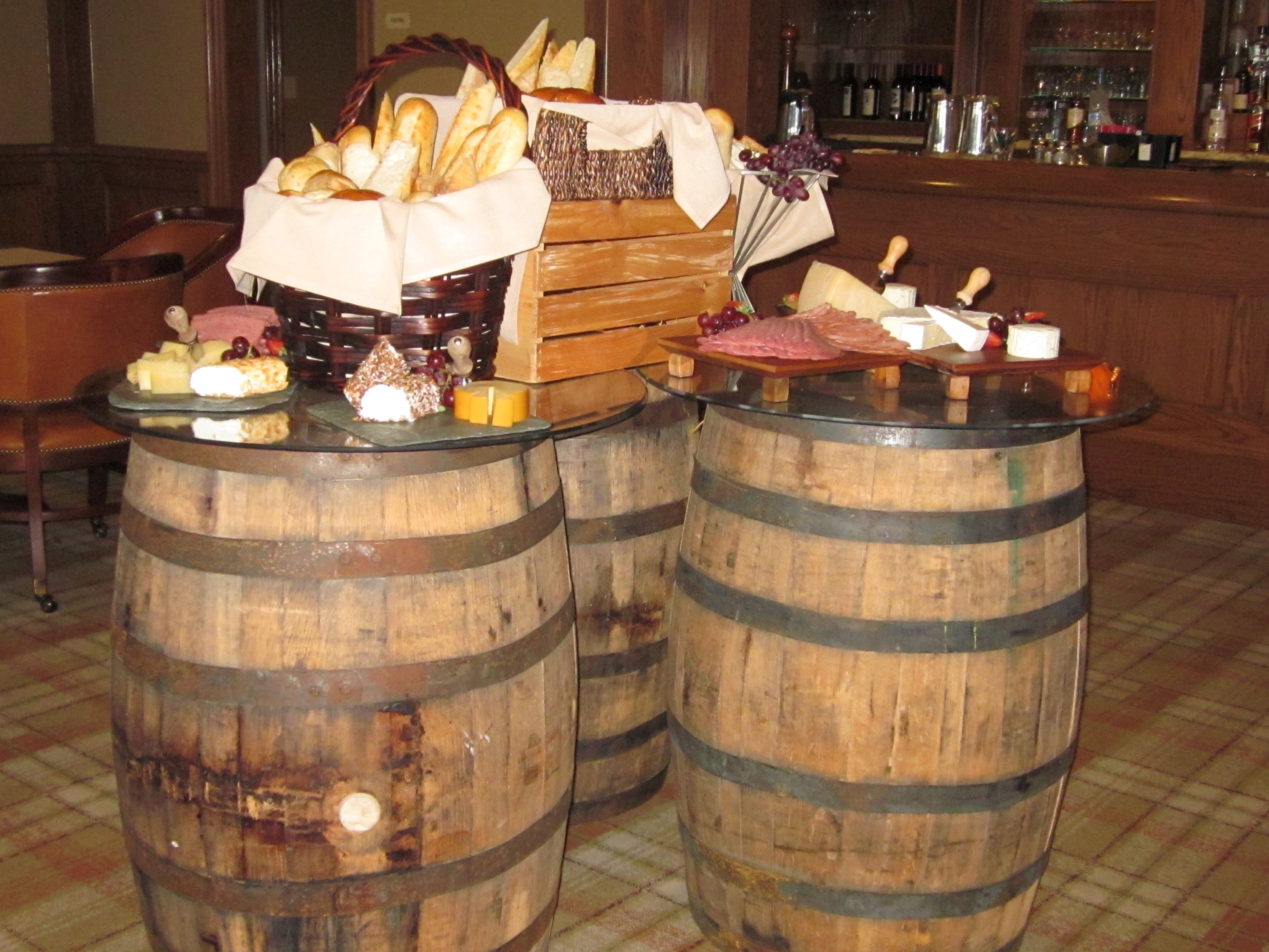 More Jack Daniels Wiskey Barrel Ideas Www Mypurelydecor Com Rustic Vintage Wedding Whiskey Barrel Table Bling Party