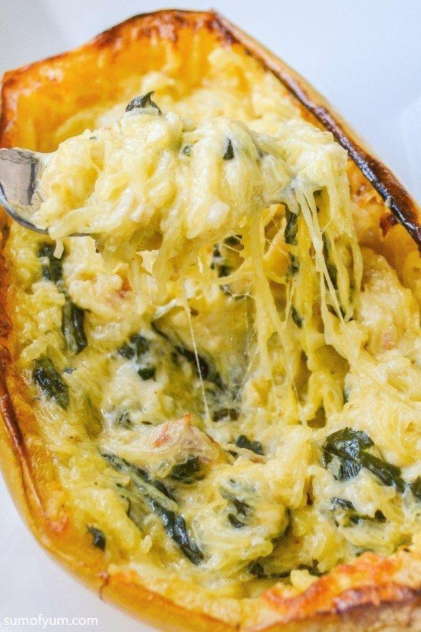 Baked Spinach Alfredo Spaghetti Squash #stuffedspaghettisquash