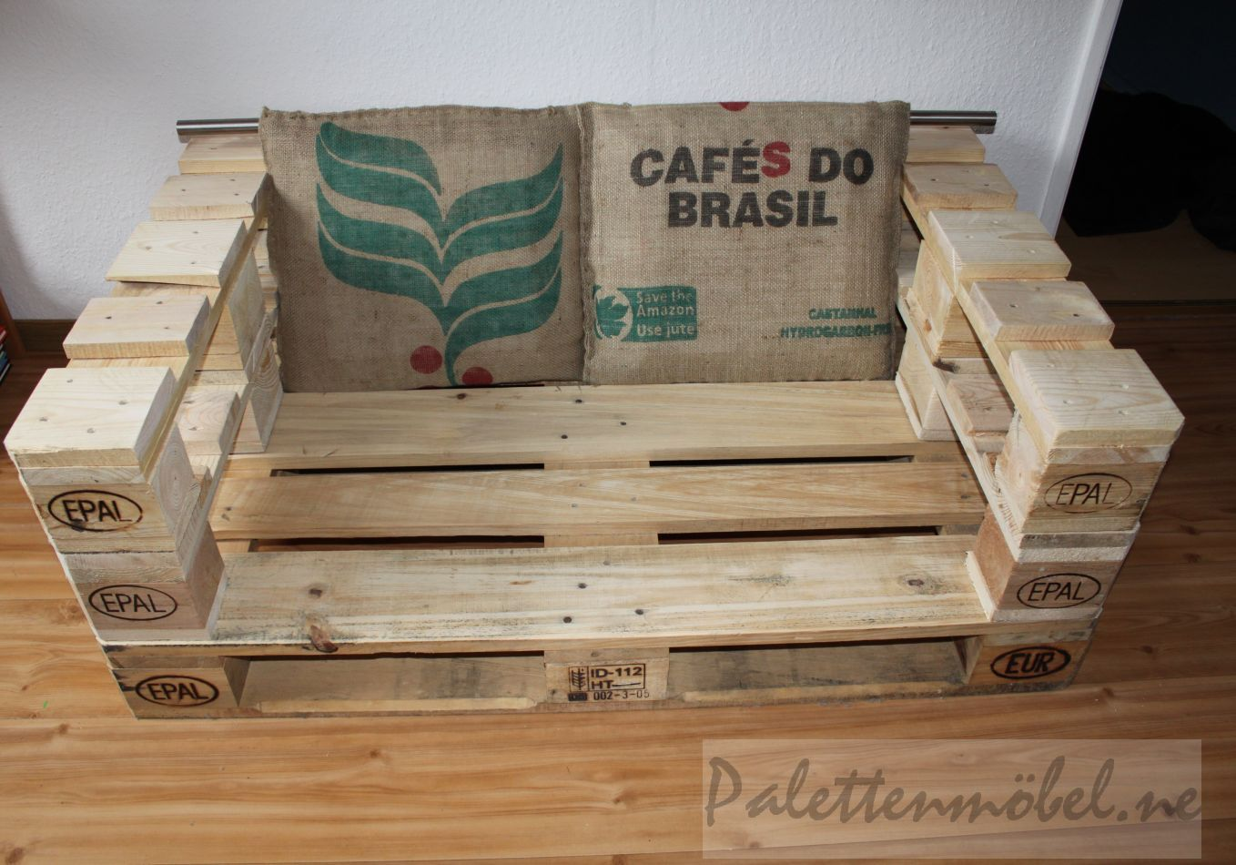 sofa aus 3 europaletten ansicht oben palettenm bel pinterest pallets and pallet projects