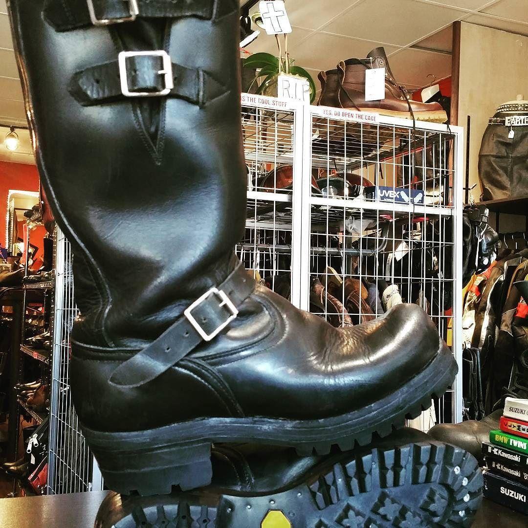 d4f20e80c88 Vintage Dayton engineer boots. Double sole double straps bump toe ...
