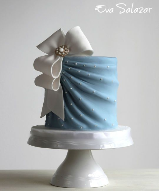 I made this cake for an intimate bridal Shower. She wanted something very simple… #celebrationcakes