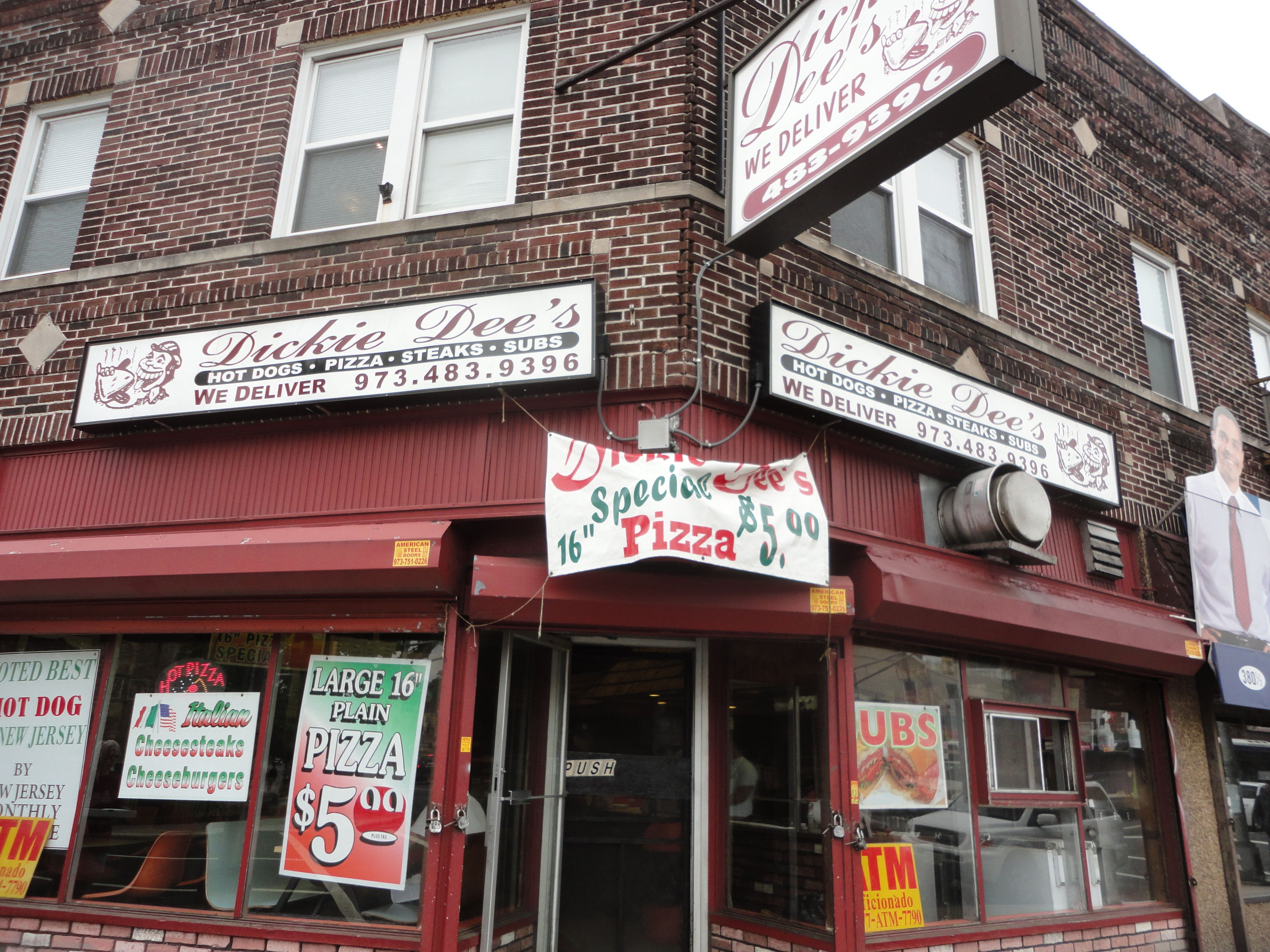 Dickie Dee S Newark Nj Old School Eatery Known For